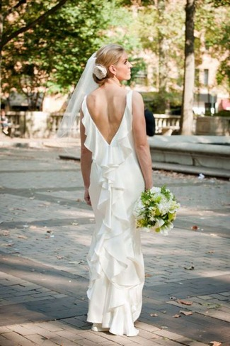 15 Beautiful Backless Wedding Dresses & Gowns You Need to See!