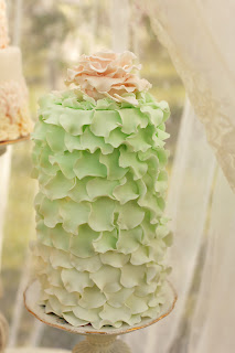 Ruffle Wedding Cake Green with Pink Flower