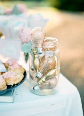 DIY Glitter Wedding Ideas & Inspiration