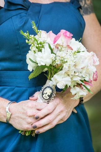 Vintage Navy and Ivory DIY Wedding