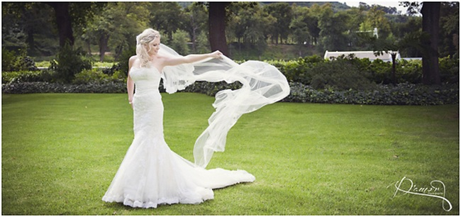 Wedding Photography Ideas For Posing: 22 Wedding Photo Poses & Ideas {Real Brides}