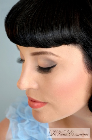 {DIY Make-Up Tutorial} Perfectly Flicked Eyeliner Step 1