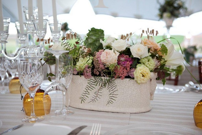 Vintage Wedding Décor Idea - Flower Centrepiece