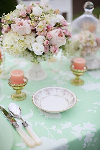 Vintage Wedding Décor Idea - Mint Green and Peach Wedding Table Décor