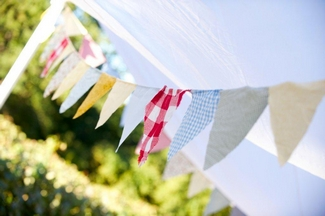 Vintage Wedding Décor Idea - Vintage Colour Bunting