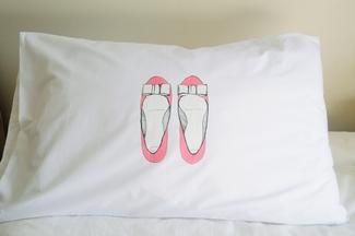 Berg Bruidjie Womans Shoes Pillowcase