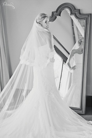 Fitting & Selecting a Wedding Gown {Wedding Planning Series}