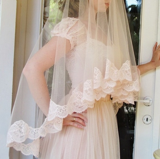 A Limited Edition Wedding Veil Handmade From Fine French Lace And Silk Tulle In This Season S Hottest Colours Blush Pink Available Angeli Kaliv