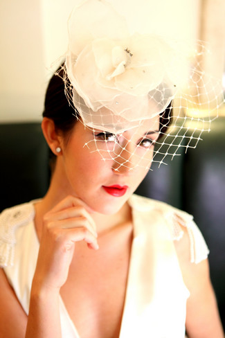 Flower Bird Cage Veil. See more here: Vintage Bridal Styling Tips   Confetti Daydreams