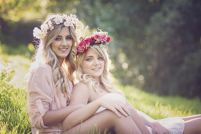 The pair adorned gorgeous flower crowns created by sunkissed in make