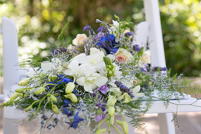 Intimate, Summer Picnic-Style Wedding in Navy & White (52)