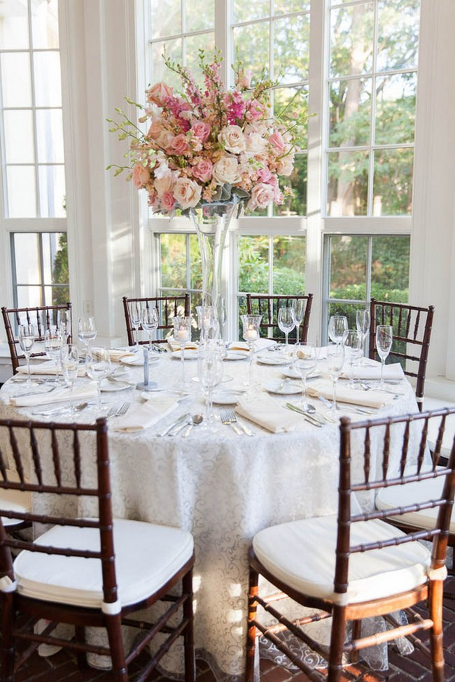 Pretty Venue and table Decor :: Peach and Blush Autumn Wedding at the Tupper Manor by Kristen Jane Photography | Seen first on ConfettiDaydreams.com