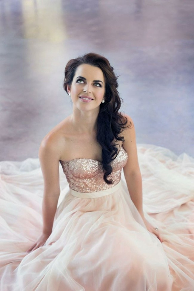 10 Gorgeous Sequin & Glitter Wedding Gowns