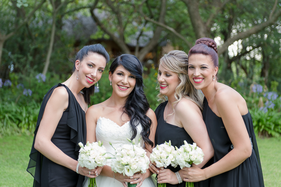 Sophisticated Black and White Cocktail Style Wedding at Moon and Sixpence (19)
