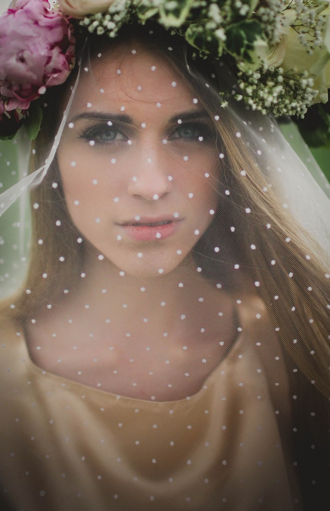 Flower crown and veil // Blush and Sparkle Fifties Inspired Countryside Wedding in the Countryside // Kirsty-Lyn Jameson Photography  // Gibson Bespoke // ConfettiDaydreams.com Wedding Blog