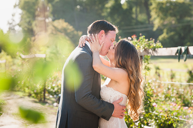 Outdoor Couple Portraits // Vintage Elegance Neutral South African Wedding //Lauren Kriedemann photography // via www.ConfettiDaydreams.com //