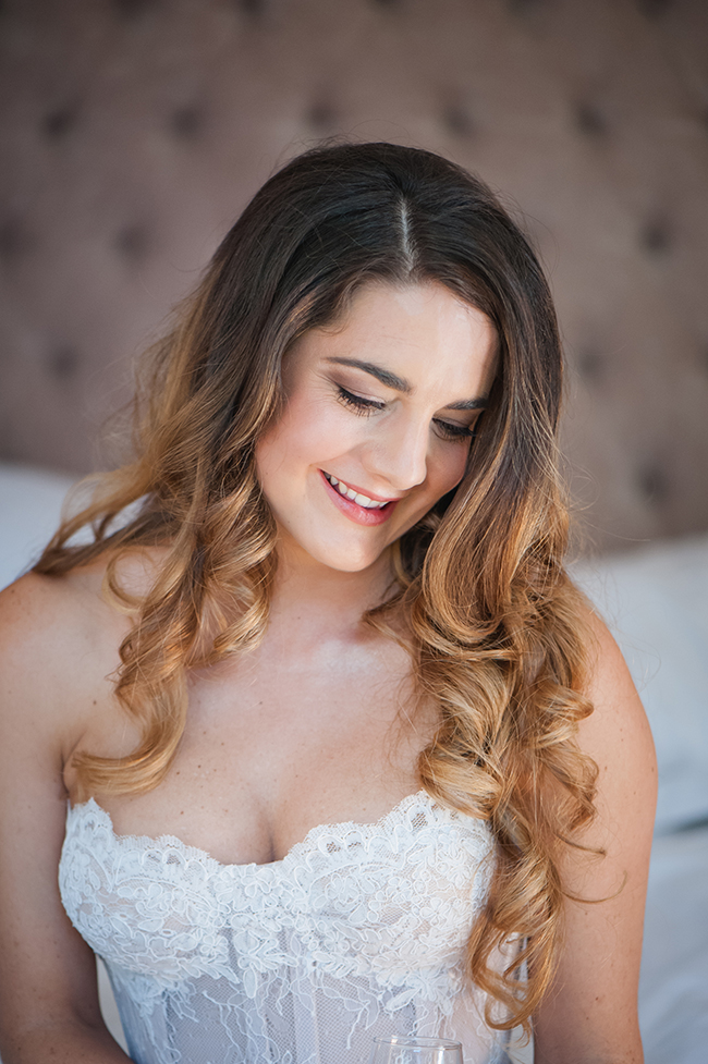 // Vintage Elegance Neutral South African Wedding //Lauren Kriedemann photography // via www.ConfettiDaydreams.com //