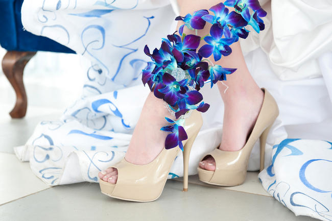 Orchid Anklet // Amazing Blue and Purple Orchid Wedding Ideas // ST Photography // Fleur Le Cordeur // Nina Brown Style Coach // Lisa Brown //