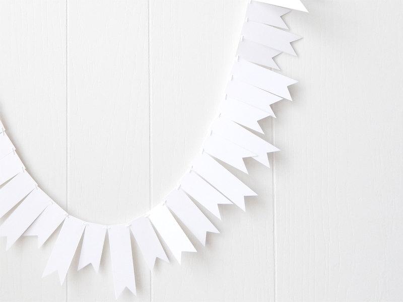 Silver Grey and White Winter Wedding Ideas ConfettiDaydreams (6)