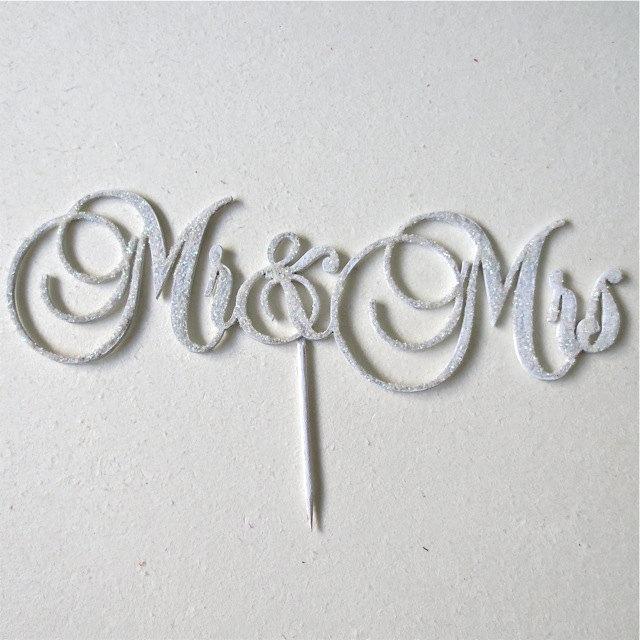 Silver Grey and White Winter Wedding Ideas ConfettiDaydreams (7)