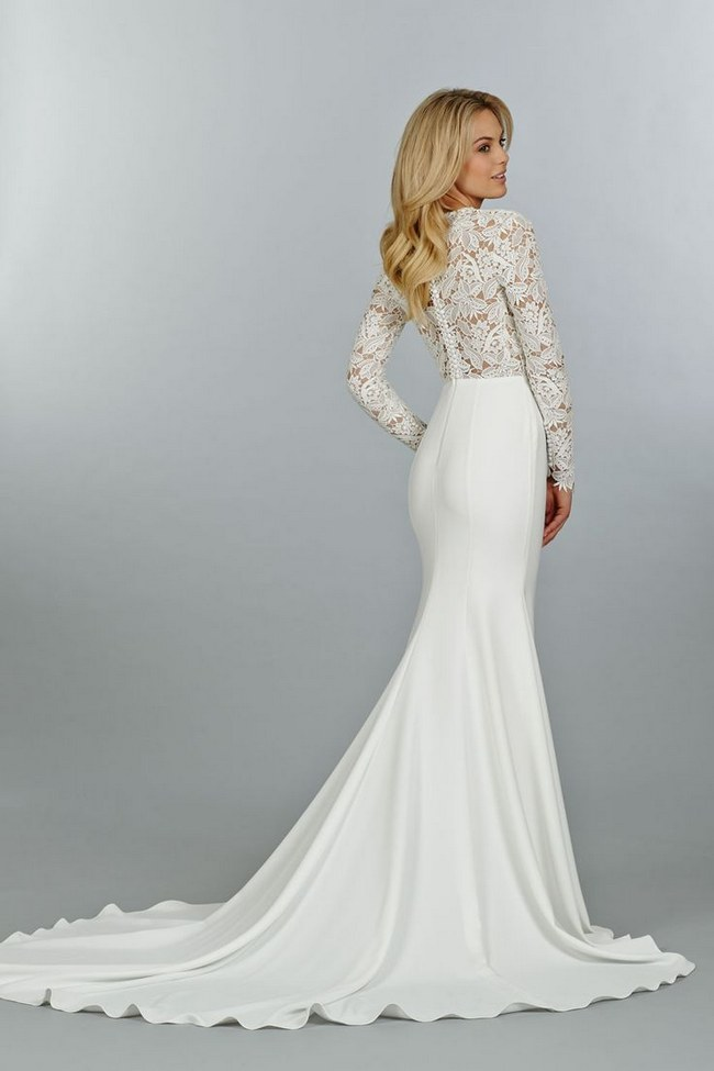 21 ridiculously stunning long sleeved wedding dresses for Beautiful fitted wedding dresses