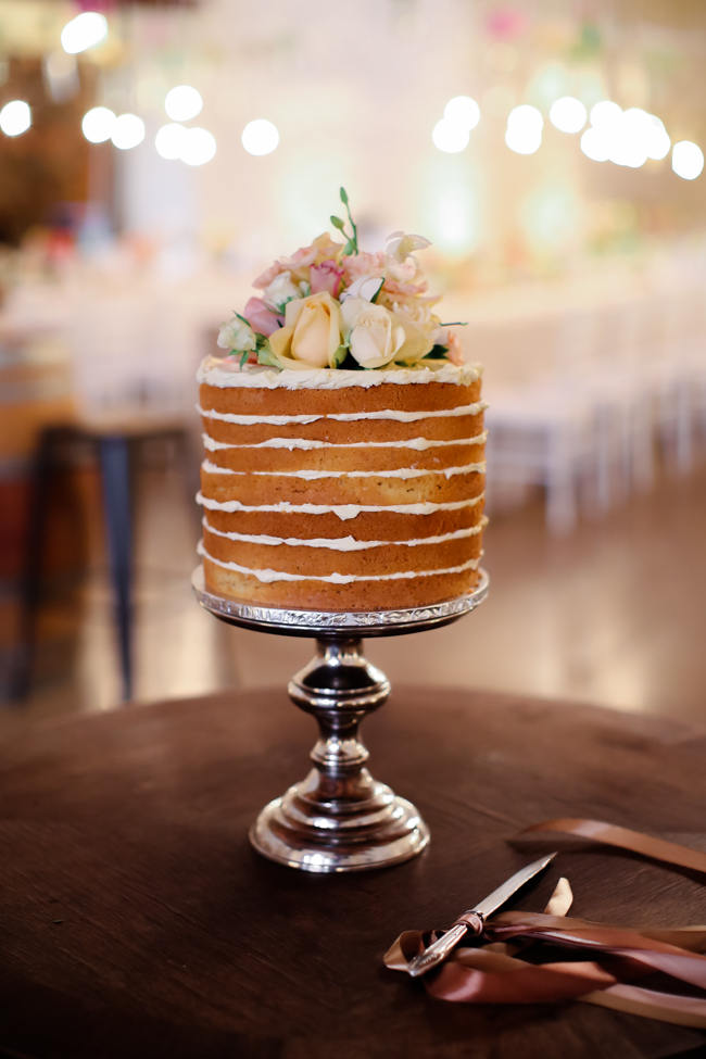 Naked Cake // // Colourful Nooitgedacht Wedding on a rainy South African day  // Nikki Meyer photography