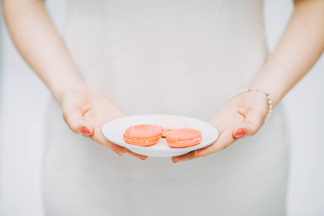 Pink Macaron  // Cute Pink and White Retro, Sixties- Inspired Wedding Ideas // Ping Photography