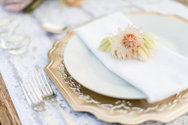 Rustic Elegance Gold table setting // Rustic Fall Wedding Decor Ideas // Lightburst Photography // Flowers: Dear Love Events // Rosemary Hill Venue
