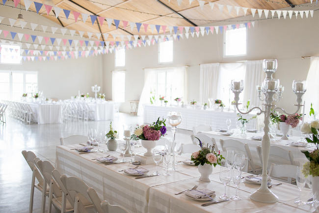 Tablescape - Fresh, Modern Country Style Wedding Flowers // Jo Ann Stokes Photography