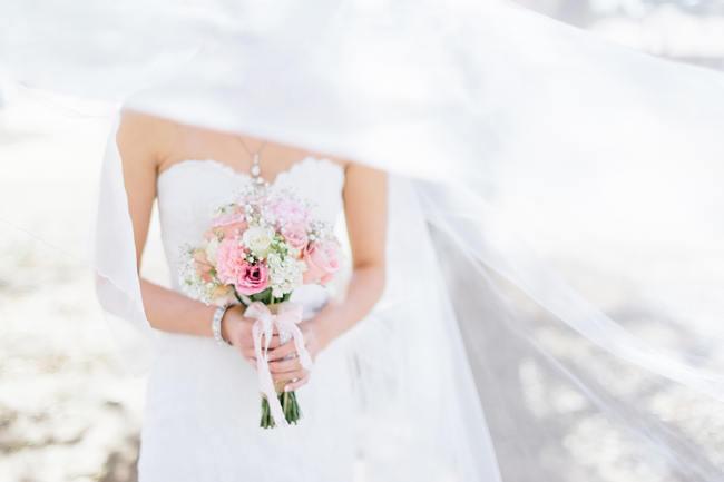 Wedding Bouquet // Vintage Chic Barn Wedding // Louise Vorster Photography