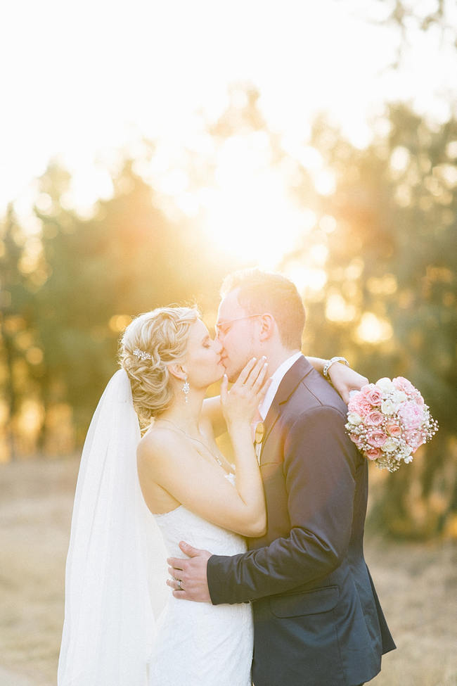 Romantic Wedding Photos // Vintage Chic Barn Wedding at Rosemary Hill // Louise Vorster Photography