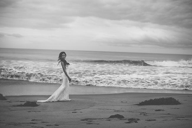 Backless Beach Wedding Dress 4