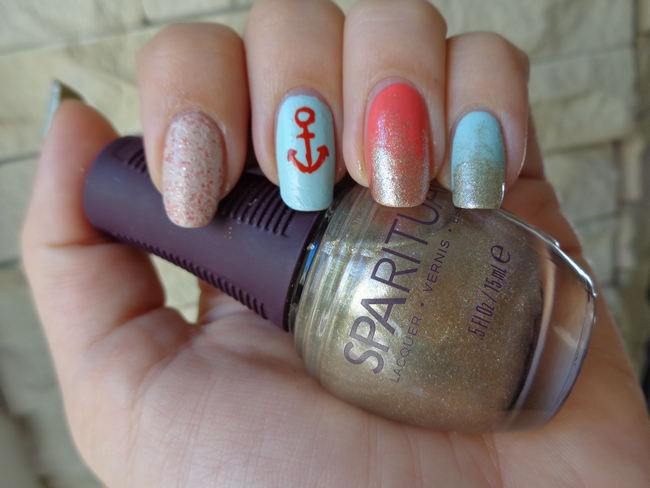 DIY Nautical Manicure (2)
