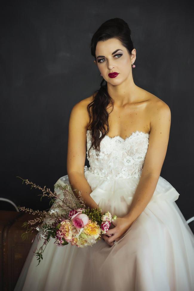 Retro Wedding Hairstyle // Rockabilly Wedding Ideas // Claire Thompson photography