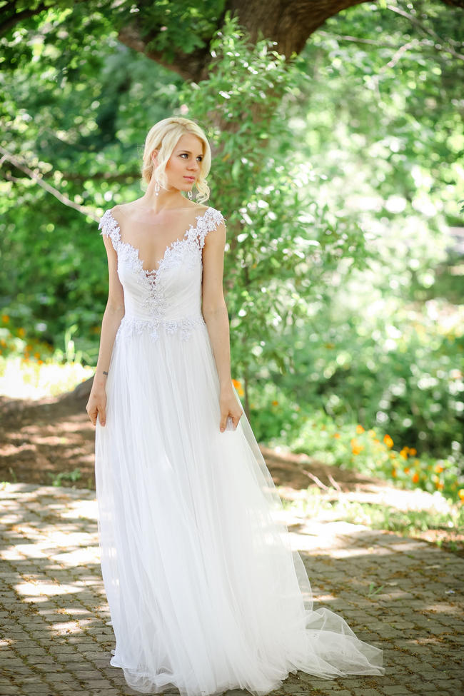 Whimsical Garden Wedding in Peach and Silver Grey {Nikki Meyer ...