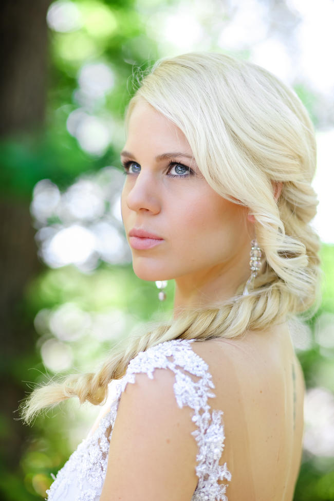 Brides stunning fishtail braid for long hair // Nikki Meyer photography