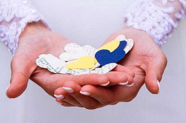 DIY paper confetti
