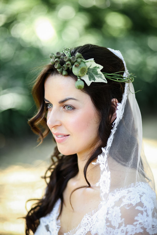 Rustic ivy wreath with lace edged veil perfect for a Rustic Garden Picnic Wedding // Nikki Meyer Photography
