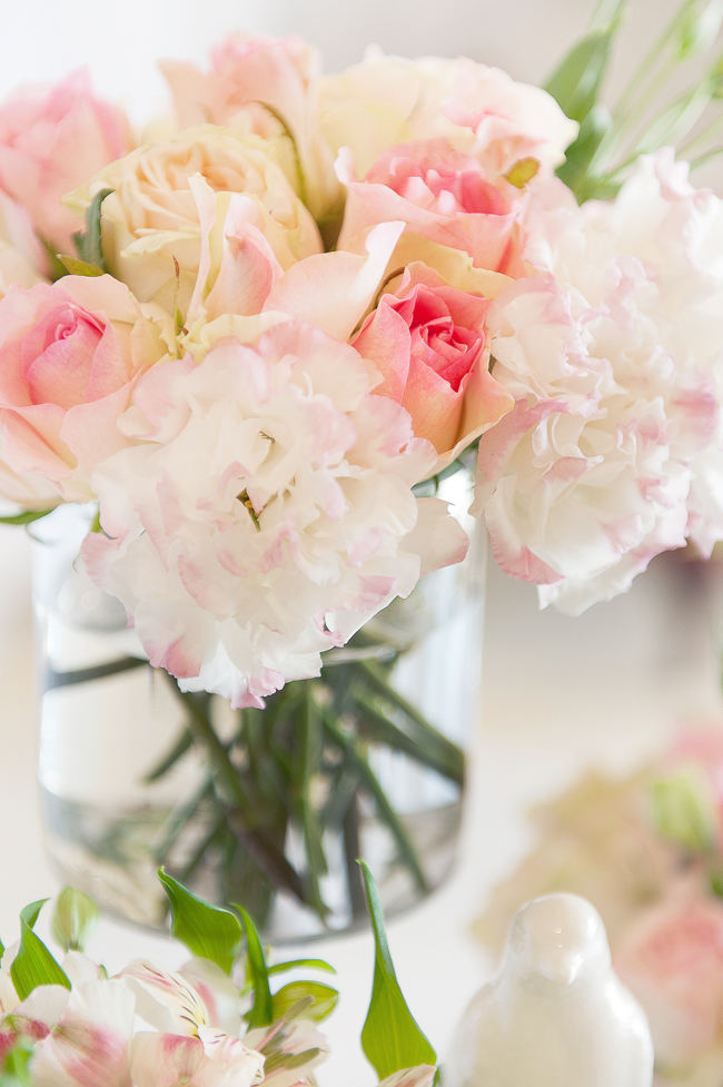 Blush, Cream and Gold Wedding Flowers for table decor. Pics by St Photography