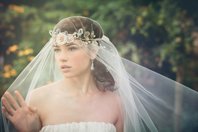 Pearl and lace headband with Urban Veils Couture // Luxe Handcrafted Heirloom Wedding Jewelry by Edera Jewelry // La Candella Weddings Photography