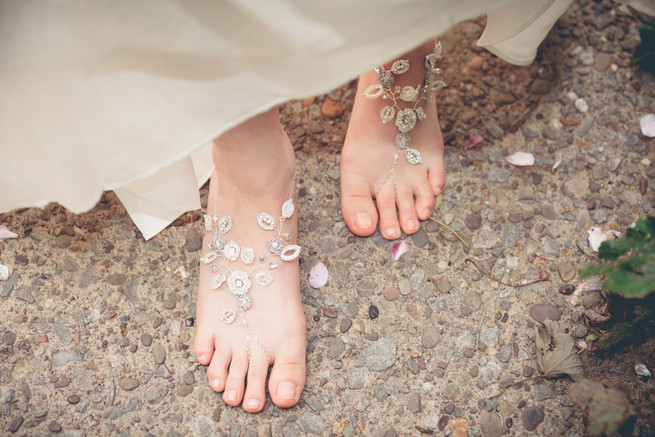 Barefoot sandals handmade lace leaves and flowers  // Luxe Handcrafted Heirloom Wedding Jewelry by Edera Jewelry // La Candella Weddings Photography