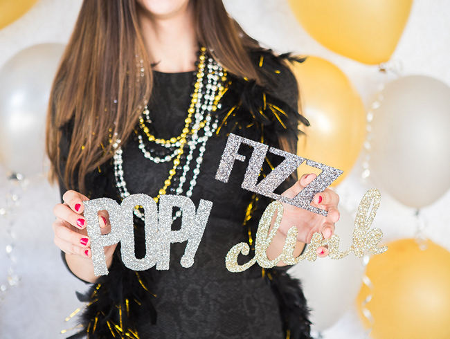 16 DIY New Years Eve Party & Wedding Ideas {Gold and Glitter}