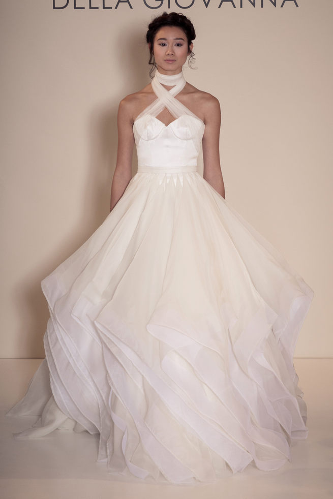 Crossover halter neck with angled tulle skirt - Della Giovanna Wedding Dresses