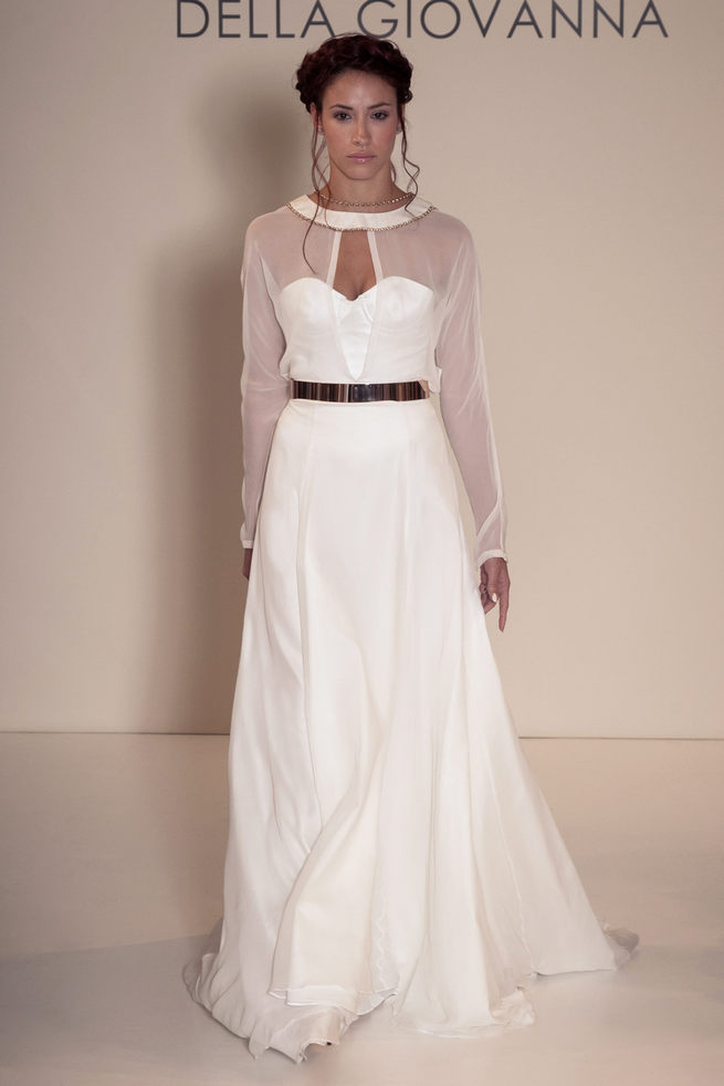 Sweetheart neckline and long chiffon sleeves: Della Giovanna Wedding Dresses 2015