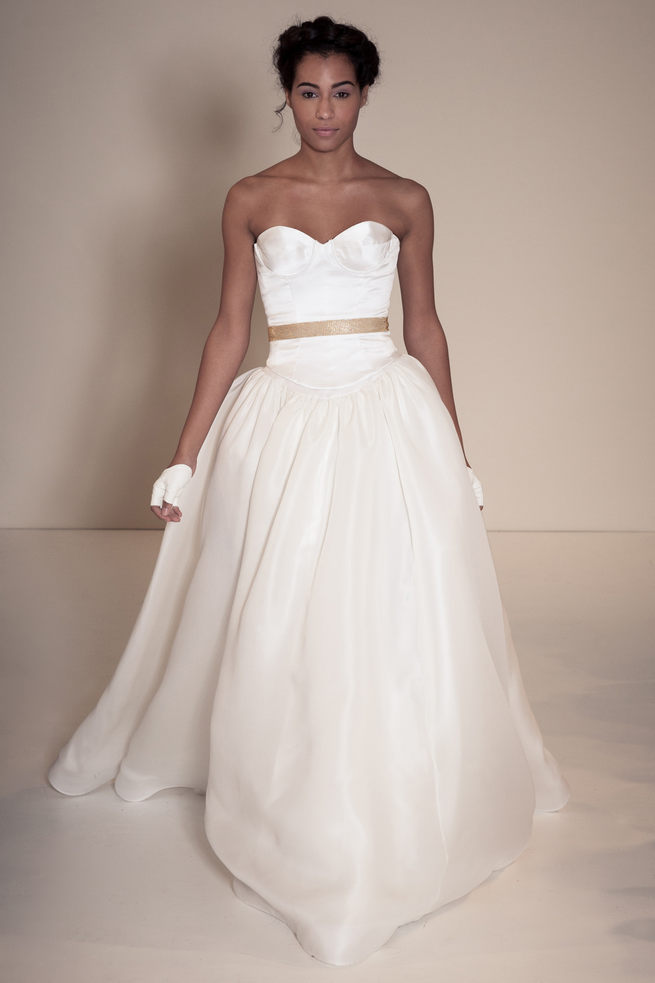 Strapless sweetheart wedding dress with long tulle skirt and gold belt. Della Giovanna Wedding Dresses 2015