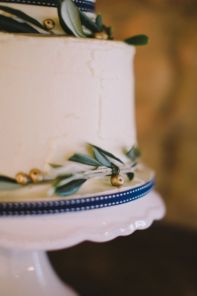 Wedding cake. Gorgeous Navy Gold Wedding at Babylonstoren / Charlene Schreuder Photography