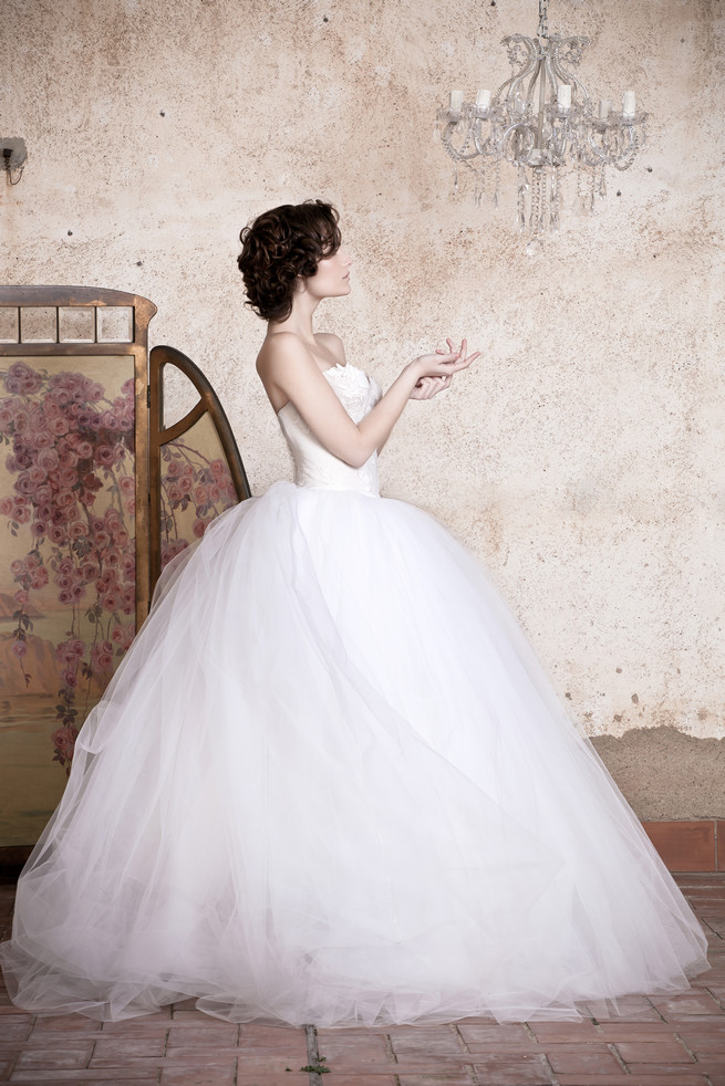 Strapless, sweetheart ballgown Ramon Herrerías Wedding Dresses