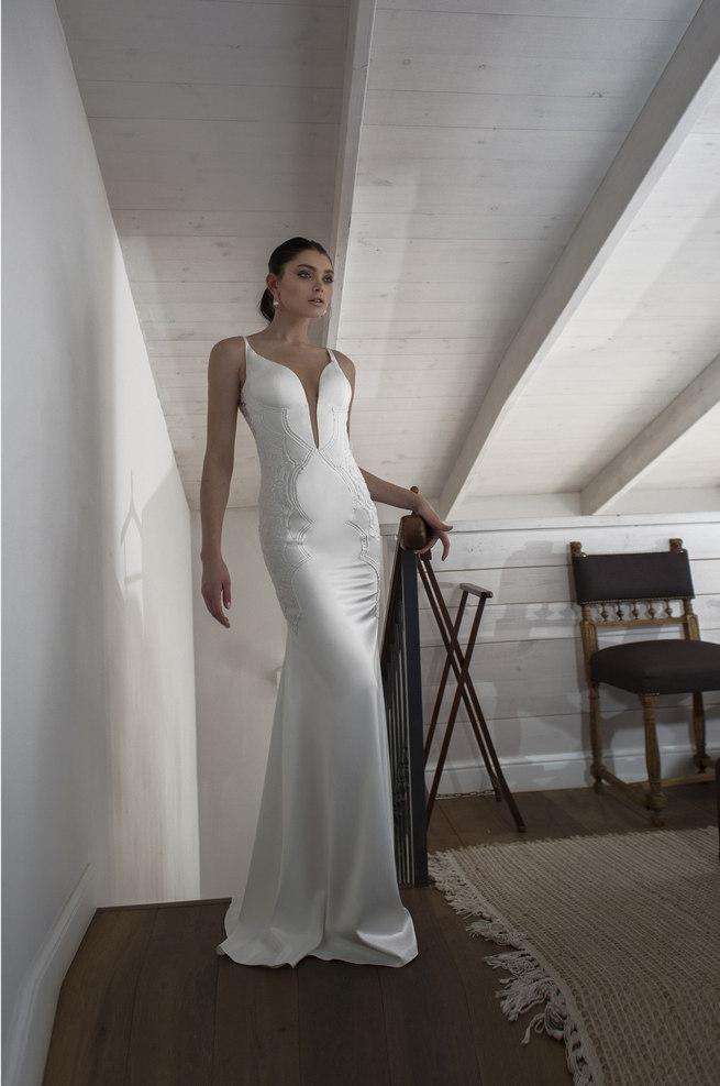 Riki Dalal 2015 Wedding Dress - plunging neckline