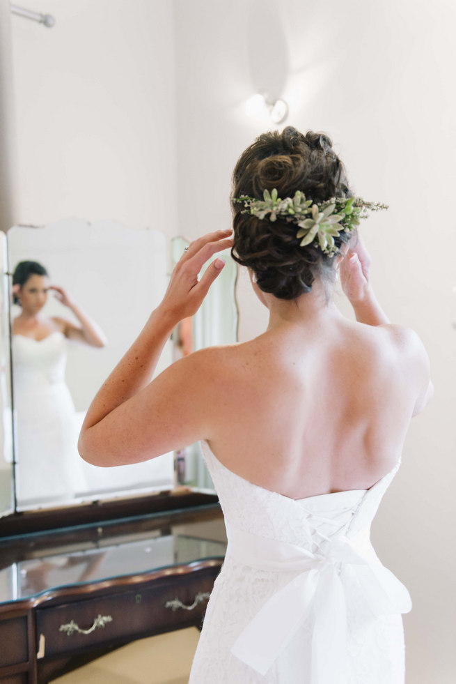 Succulent hair piece // Succulent Garden Wedding // Claire Thomson Photography