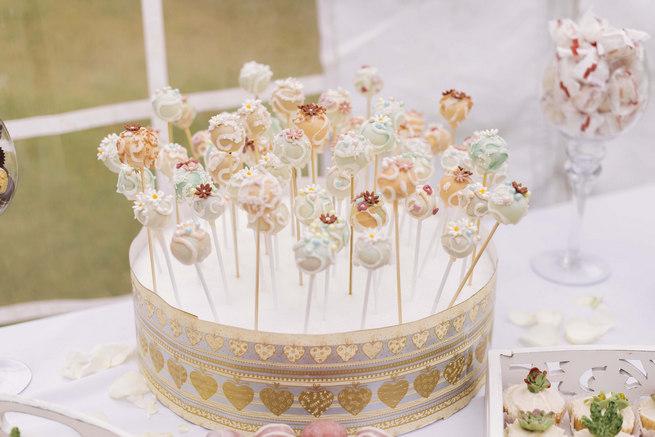 Lolipop cake // Succulent Garden Wedding // Claire Thomson Photography